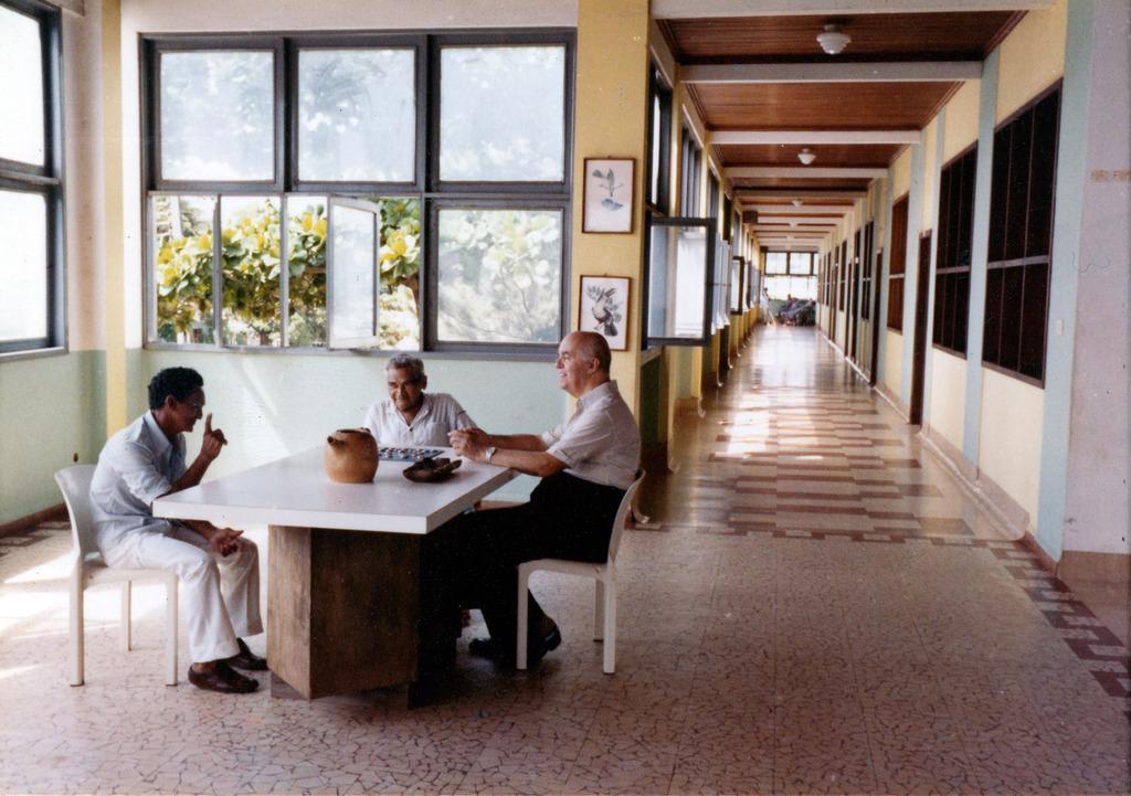 http://acervo.camilianos.org/files/original/A04.P041.F111.jpg