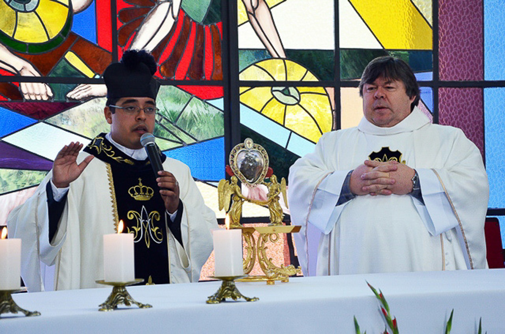 http://acervo.camilianos.org.br/tmp_files/E534.D3507.jpg