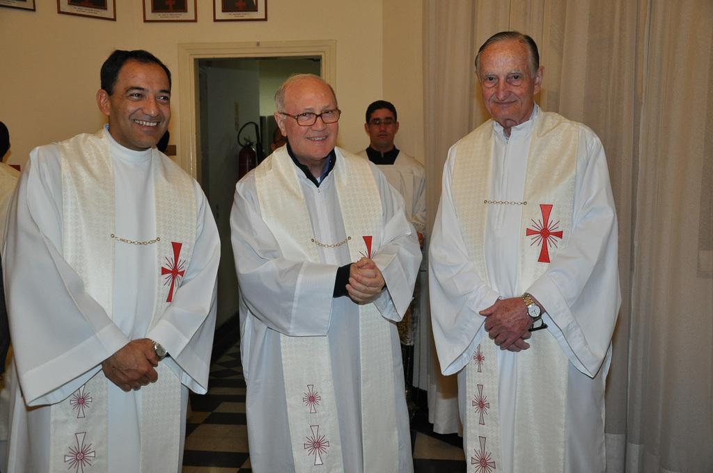 http://acervo.camilianos.org.br/files/original/E311.D2798.jpg