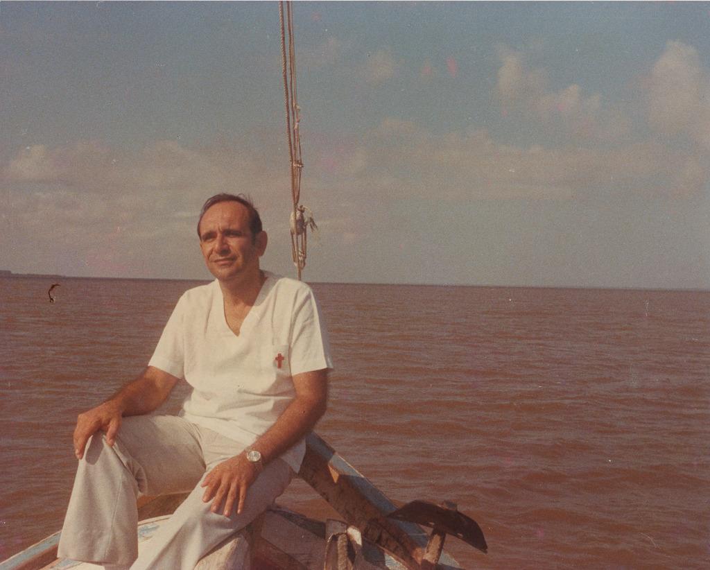 http://acervo.camilianos.org/files/original/A04.P043.F115.jpg